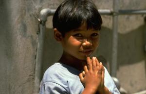 a child prays